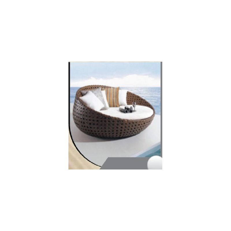 Circular Wicker Couch(R 362)